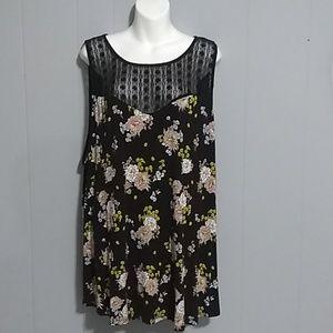 TORRID dark floral print Tunic Size 5